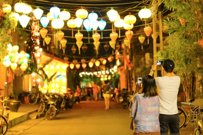 Từ Đà Nẵng du lịch Ngũ Hành Sơn -phố cổ Hội An (1/2 Ngày)