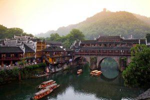 Du lịch Trung Quốc – Phượng Hoàng Cổ Trấn – Trương Gia Giới (bay từ Đà Nẵng)